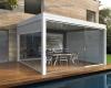 Konstrukcija šalia namo bioklimatinė Solid pergolė